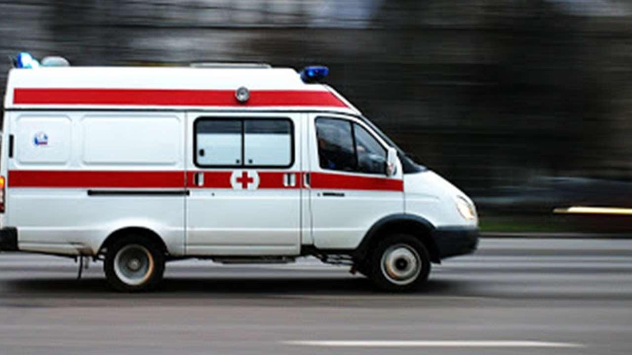 Нетрезвый пассажир выпал изавтобуса вПерми исломал нос