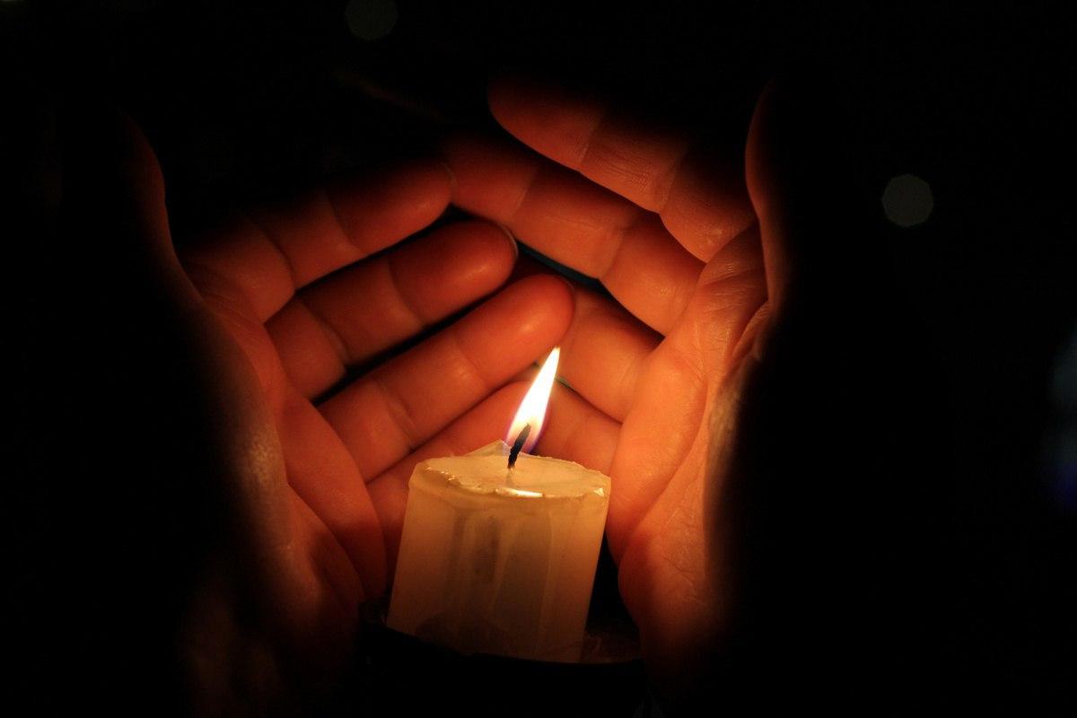 Картинки горящей свечи в память, павлова